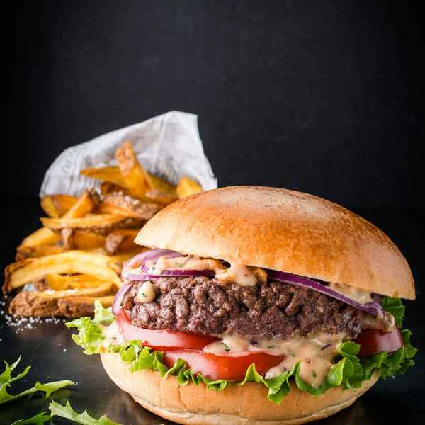 photographe culinaire burger boeuf frites