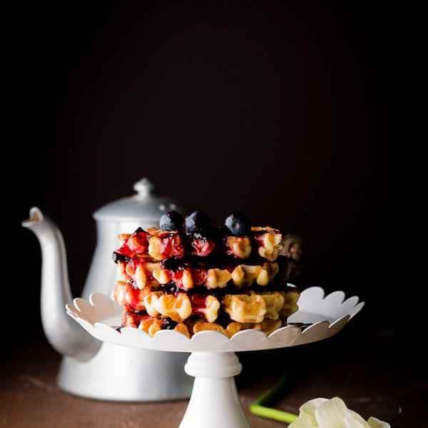 photographe culinaire gaufrettes fruits rouges