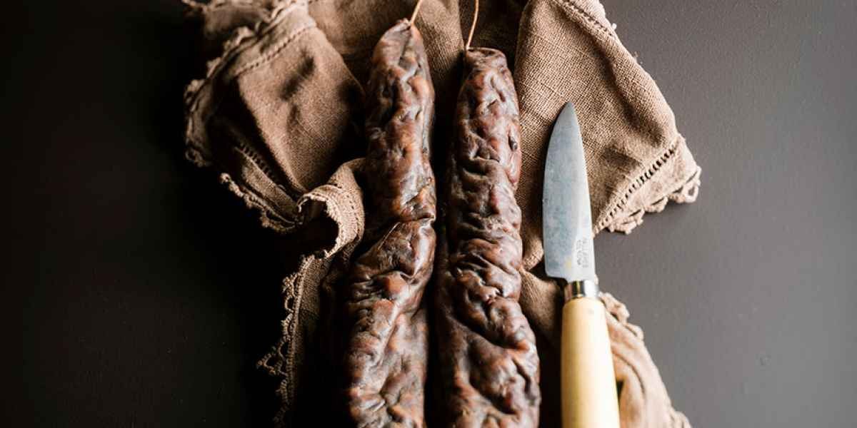 photographe nature morte saucisse corse