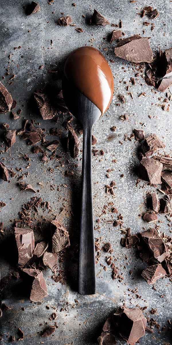photographe culinaire cuillere chocolat fondu