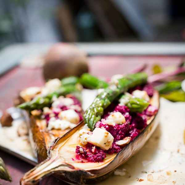 photographe culinaire aubergine pesto betterave