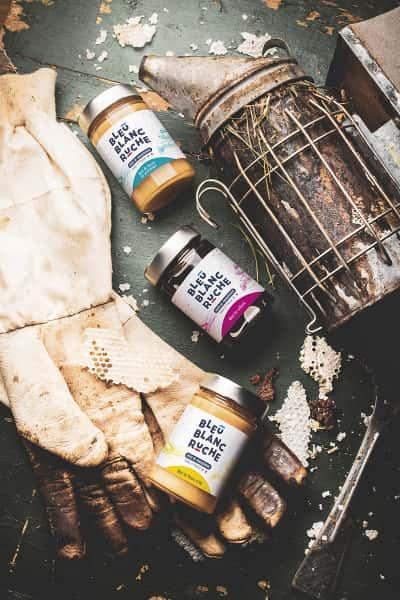photographe culinaire bleu blanc ruche miel fleurs printemps ete callune
