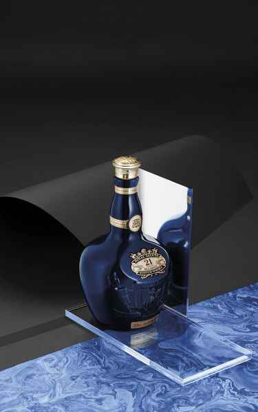 photographe nature morte post production packshot bouteille royal salute